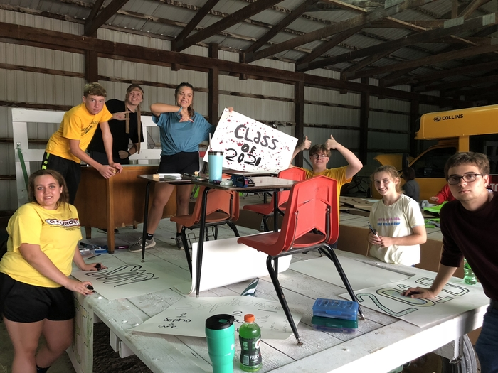 Class of 2021 Homecoming Float building