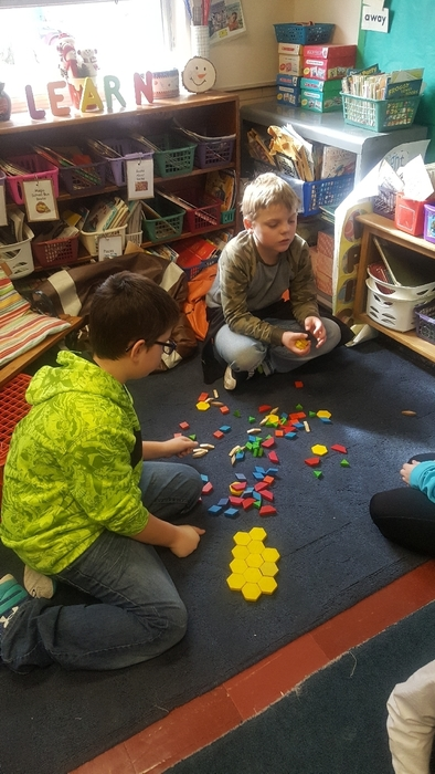 What can you make with 100 pattern blocks!